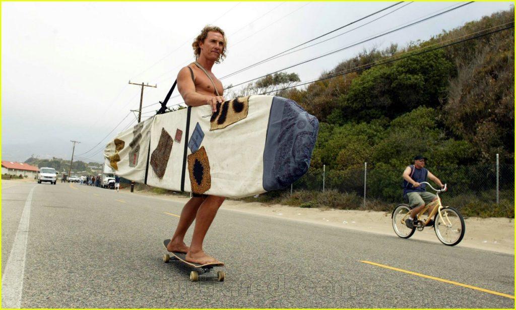 Matthew-McConaughey-surfer-dude-13