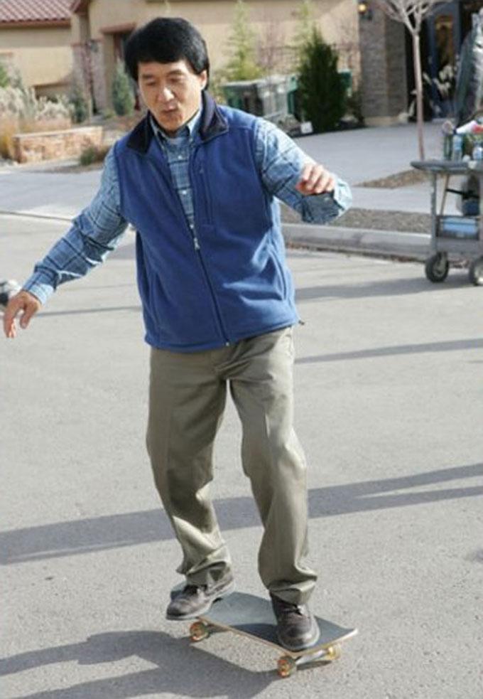jackie-chan-celeb-skater